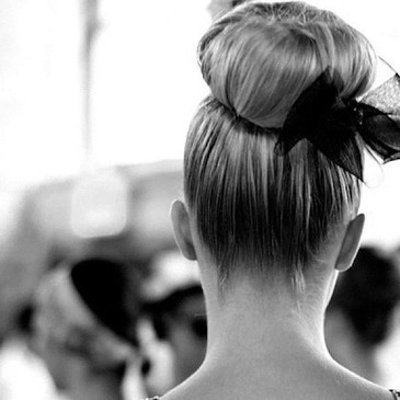 Lady hair bun